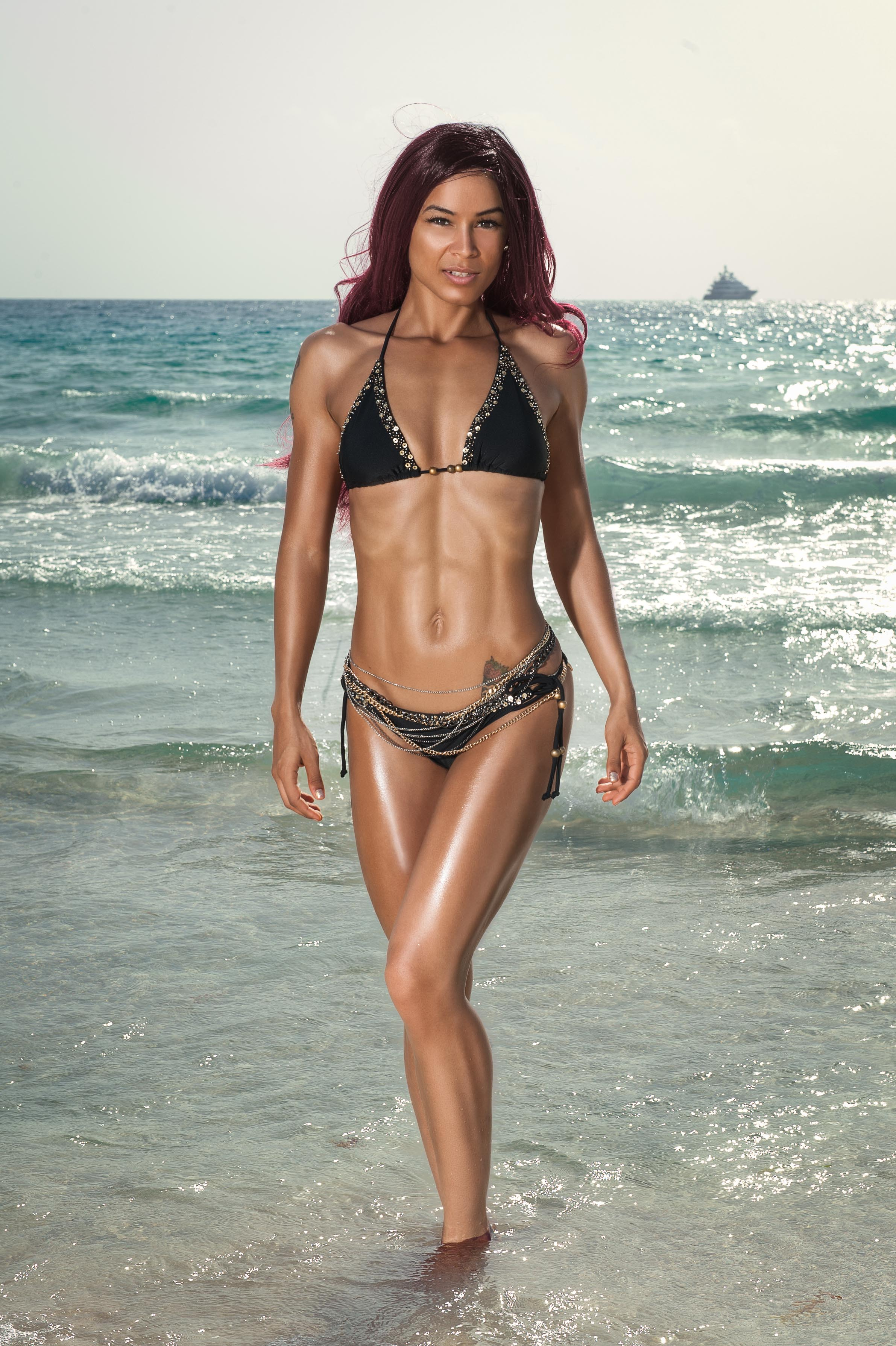 Female Bodybuilder Bikini Koko Photoshoot