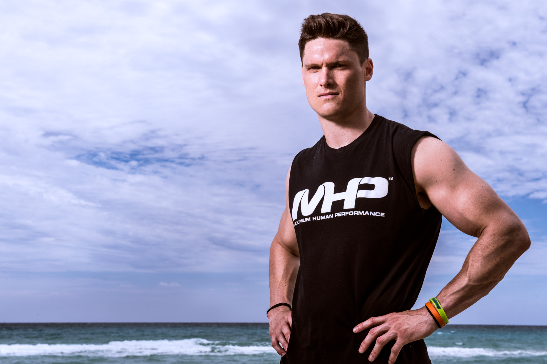 MHPNutrition-ChrisHogan-NewEnglandPartiots-Sportssupplementcampaign-5